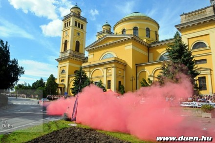 gumifustbe_borult_az_egri_bazilika_1