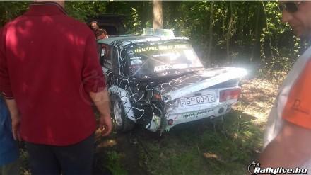 crash_-_amikor_kis_kerek_van_hatul_1