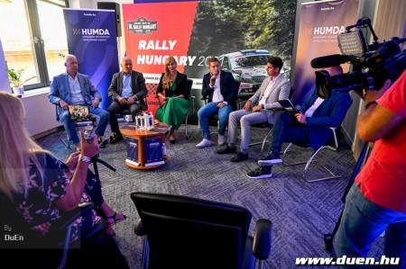 A_HUMDA_veszi_at_a_Rally_Hungary_promoteri_feladatait_1